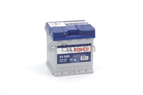 BOSCH Bosch S4 - 12v 44ah - autó akkumulátor - jobb+